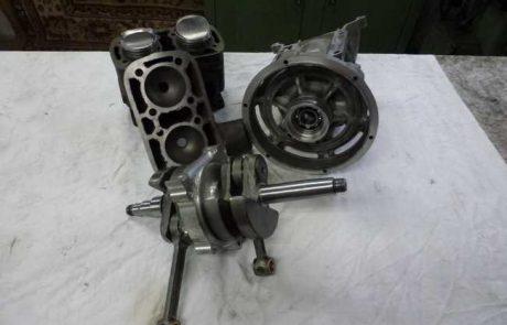 Zerlegter Motor einer Tempo ILO 400