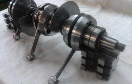 Drehschieber-Kurbelwelle für Rennbootmotor